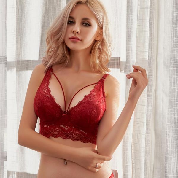 """Комплект женского нижнего белья """"С широкой спинкой"""" красный размер 75С"""