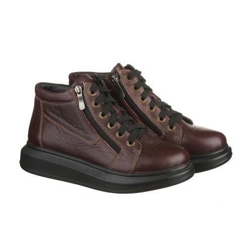 Стильные бордовые ботинки на высокой подошве