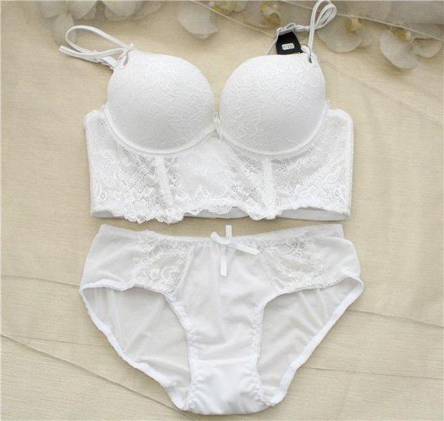Фото Комплекты женского нижнего белья, С эффектом push-up Комплект женского нижнего белья