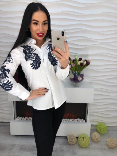 Стильная которовая блуза с вышивкой.