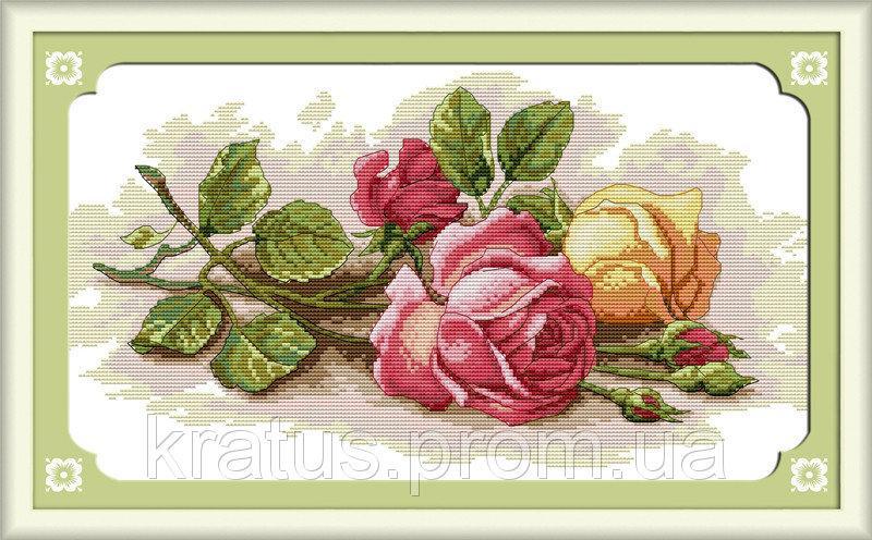 """Н 091 """"Цветные розы"""" Набор для вышивания крестом 45х29 см"""