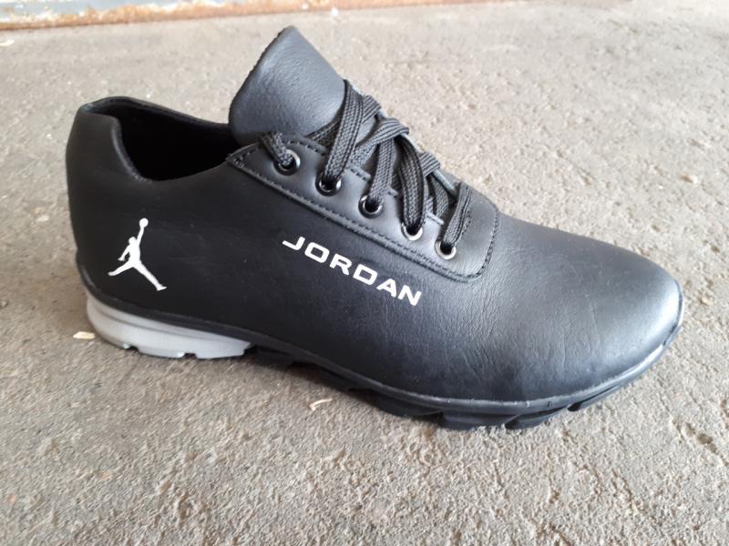 Подростковые кожаные кроссовки Jordan. Украина