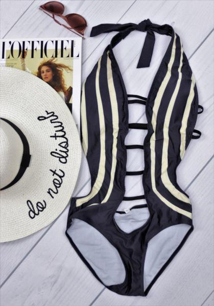 Женский слитный стильный купальник черно-белый.