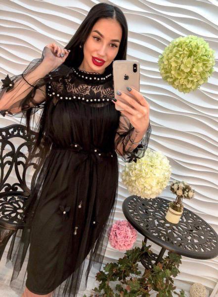 Стильное женское платье из шифона с гипюром черного цвета.