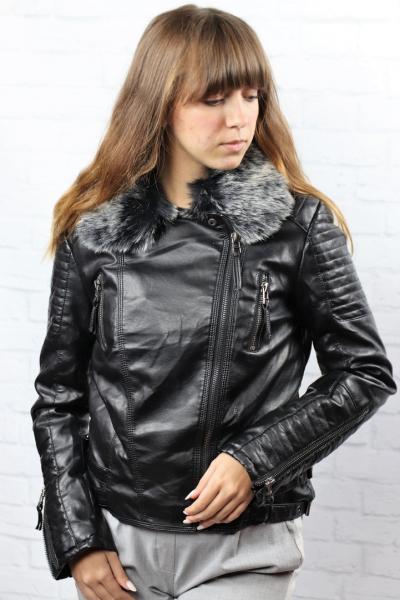 Женская зимняя куртка с мехом.