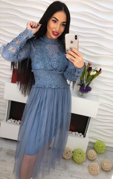 Стильное  платье из шифона.