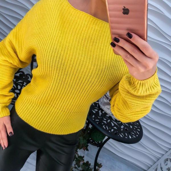 Фото Одежда женская, Кофты,туники,свитера,гольфы Стильный желтый женский свитер.