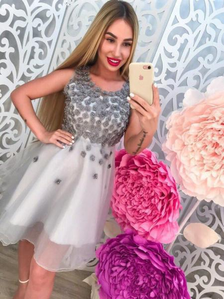 Очень красивое женское платье.