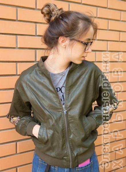 Стильная кожаная куртка с вышивкой. - Куртки кожаные женские на рынке Барабашова