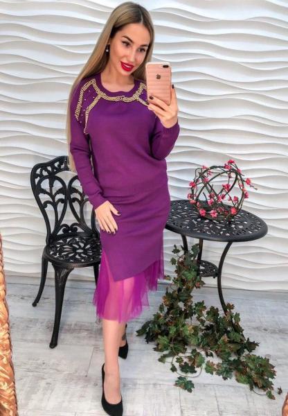 Стильный и нарядный фиолетовый женский костюм.
