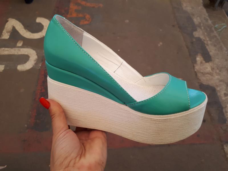 Туфли кожаные на танкетке Glam. Украина