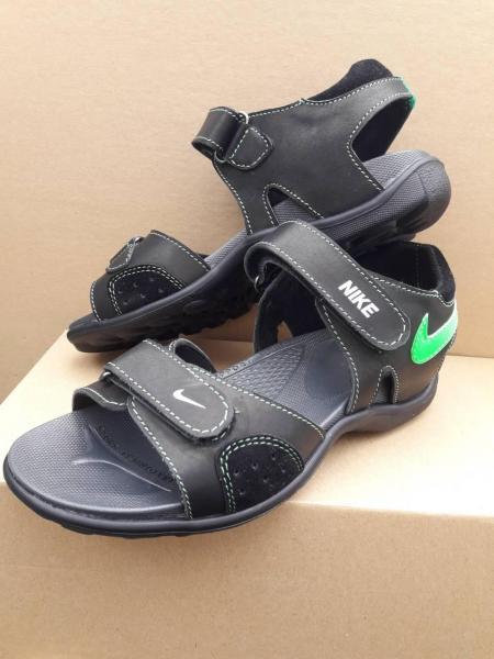 Детские подростковые сандали Nike.