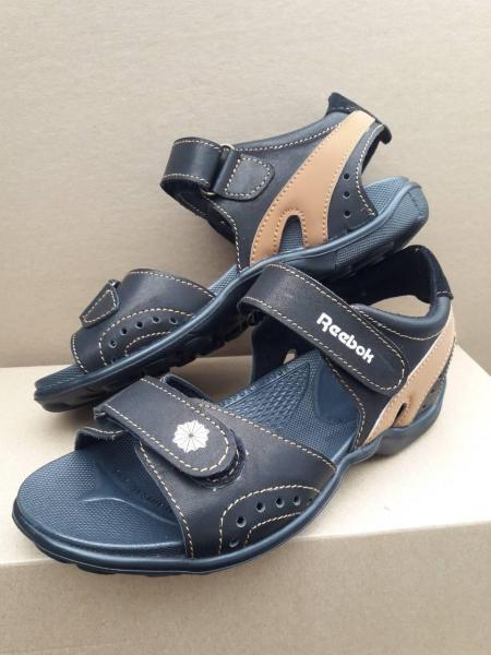Детские подростковые сандали Reebok.