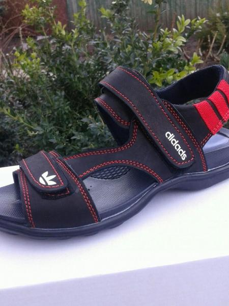 Детские подростковые сандали Adidas.
