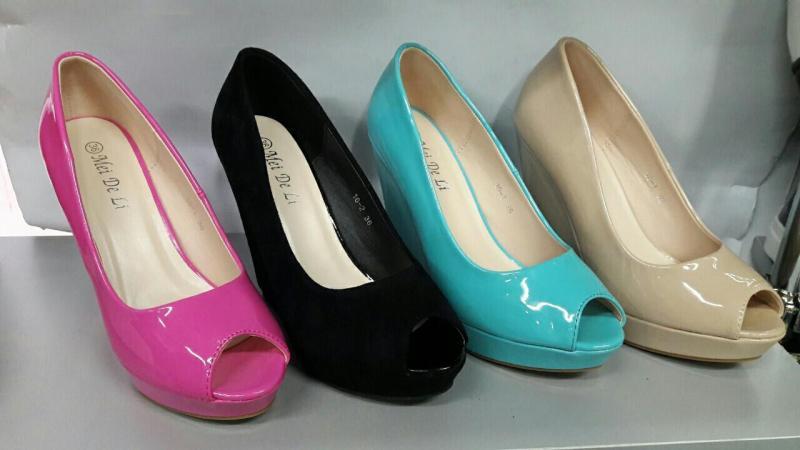 Стильные туфли на скале 16-1 в ярких цветах.