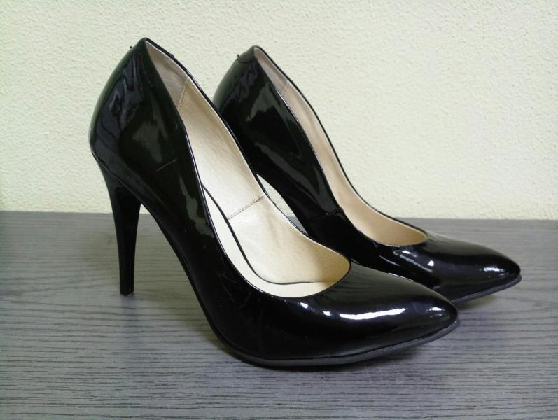 Женские лаковые туфли класссика. Украина
