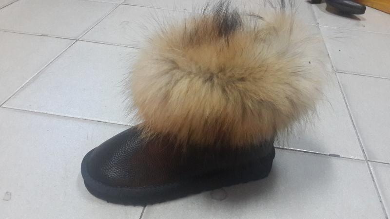 Натуральные кожаные UGG с мехом енота Australia.