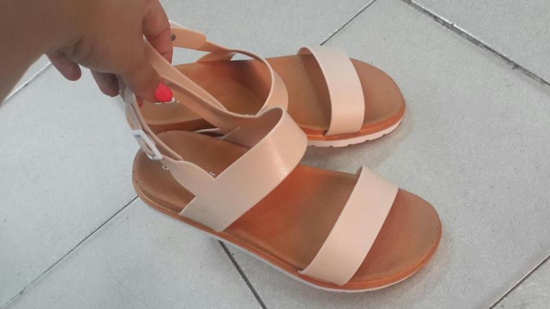 Женские сандалии силикон.