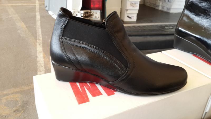 Женские кожаные ботинки больших размеров. Украина