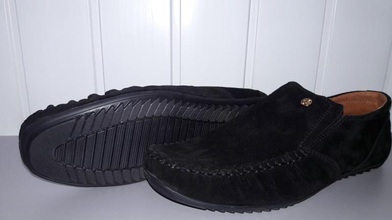 Замшевые мужские мокасины черного цвета. Украина