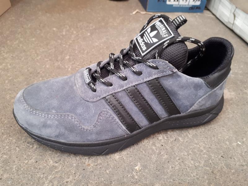 Подростковые замшевые кроссовки Adida. Украина