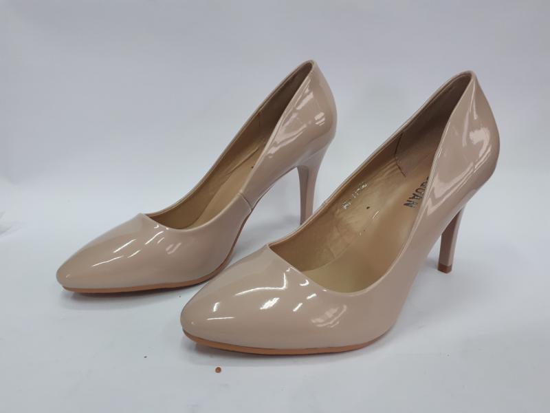 Туфли женские лаковые лодочки. Польша