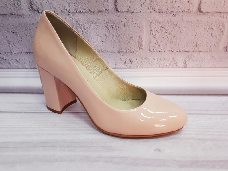 Лаковые туфли на толстом каблуке Nivelli.