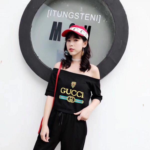 Женский трикотажный костюм Cucci.