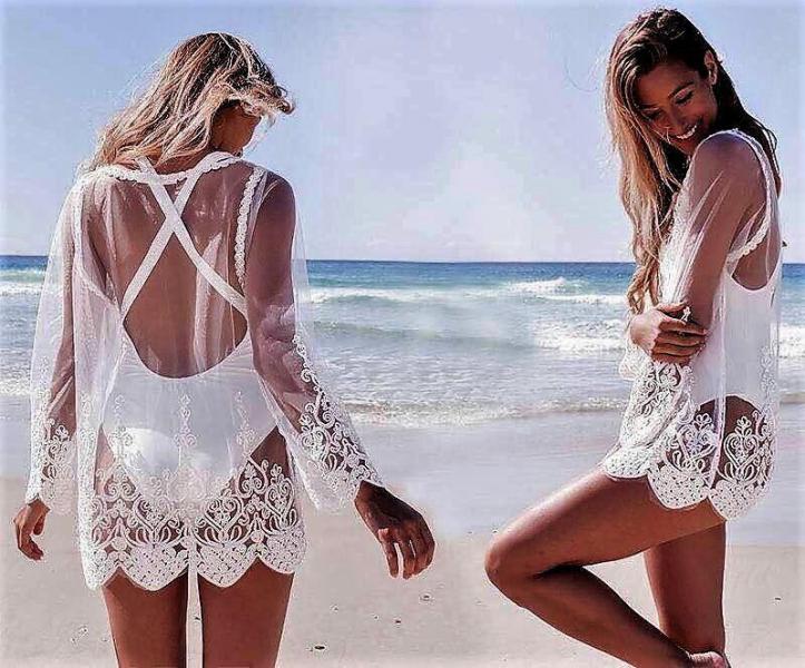 Пляжная накидка кружевная белая.