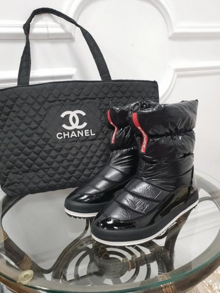 Женские ботинки-дутики на молнии. Украина