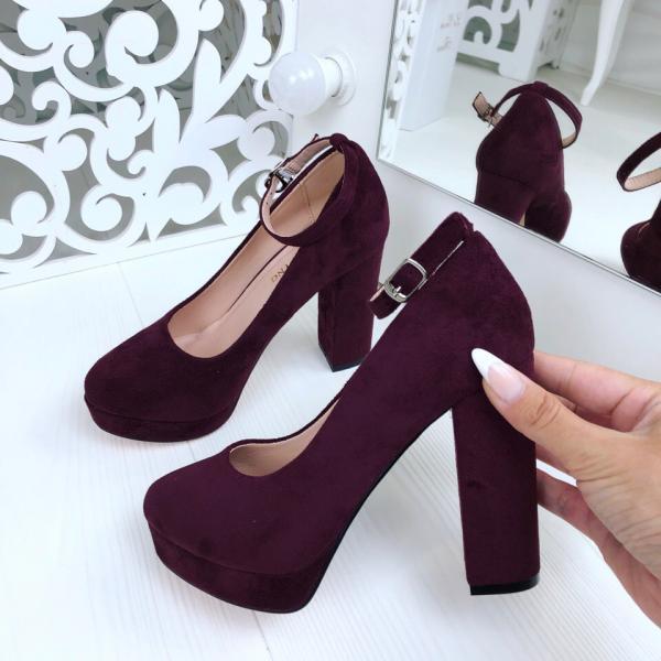 Туфли женские Mengting с ремешком.