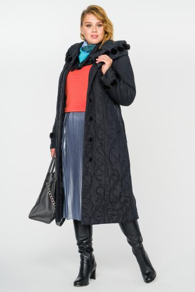 Пальто утепленное с капюшоном