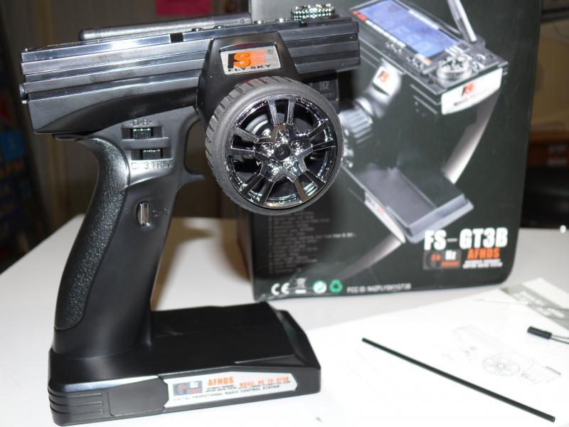 Радиоаппаратура управления 3-канальная FlySky FS-GT3B с приемником на 3 канала.