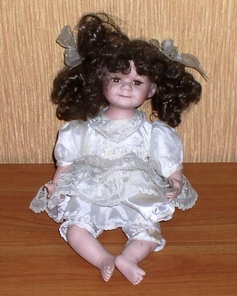 Фарфоровая кукла: Девочка *7726