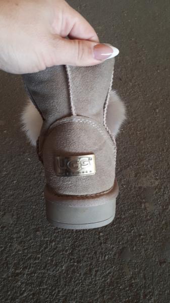Фото Женская обувь, Зима, Угги, унты Угги с пумпоном натуральные на цигейке. Украина