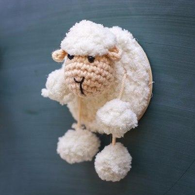 Магнитик овечка, ручная работа, игрушка вязанная