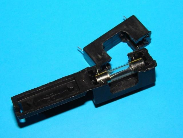 Держатель предохранителя 5 х 20 мм.