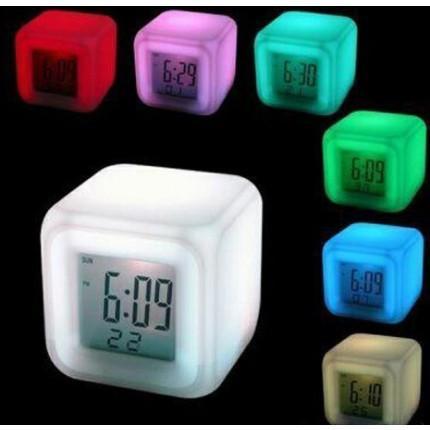 Часы хамелеон, с будильником и термометром, меняющие цвет