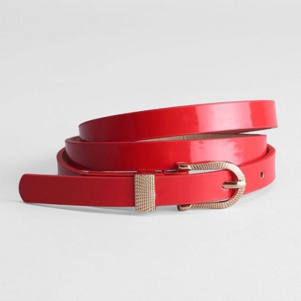 Ремень женский, гладкий лак, хомут и пряжка золото, ширина - 1,5 см, цвет красный