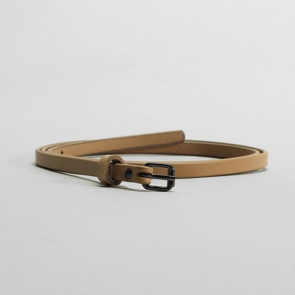 Ремень женский, гладкий, пряжка тёмный металл, ширина - 0,9 см, цвет бежевый