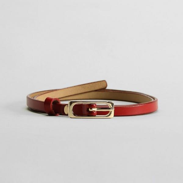 Ремень женский, гладкий, пряжка золото, ширина - 0,9 см, цвет красный