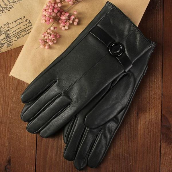 Перчатки женские, размер 6.5, пряжка, с подкладом, цвет чёрный