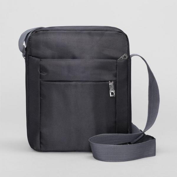 Планшет мужской, отдел на молнии, 3 наружных кармана, регулируемый ремень, цвет чёрный