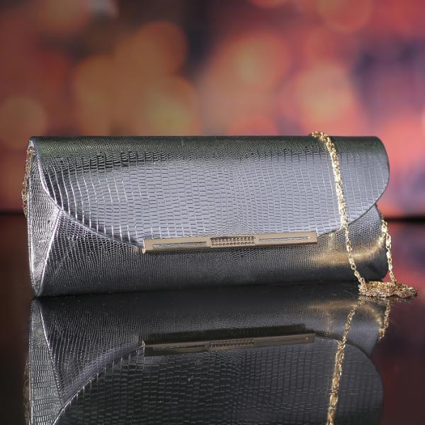 Клатч женский, отдел на магните, длинная цепь, цвет серебристый