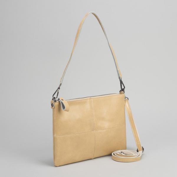 Клатч женский, отдел на молнии, наружный карман, длинный ремень, цвет бежевый