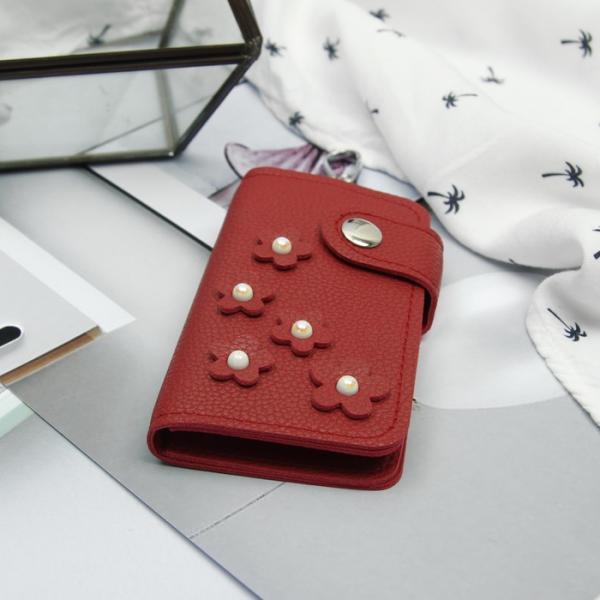 Ключница, 2 отдела, 7 карабинов, на кнопке, цвет красный