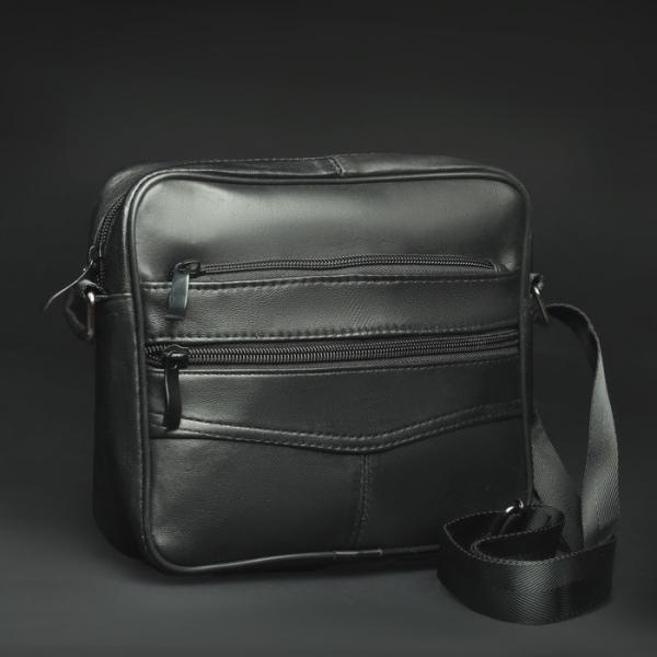 Сумка мужская, отдел на молнии, 3 наружных кармана, длинная стропа, цвет чёрный
