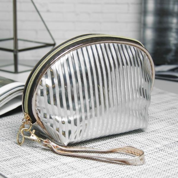 Косметичка-сумочка «Полоски», отдел на молнии, ручка, цвет серебристый