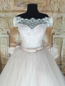 Фото Свадебные платья Пышное свадебное платье со шлейфом Бэль