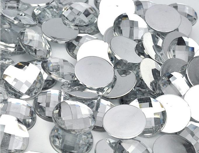 Фото Серединки ,кабашоны, Кабашоны, камеи Кабашон круглый стекляный Белого цвета с огранкой . Размер - 16 мм.